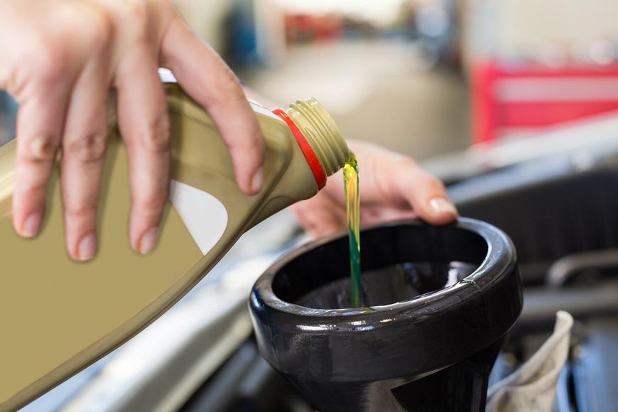 Olej silnikowy – co oznaczają symbole?